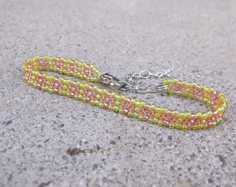 Beaded Flower Bracelet, Beaded Daisy Chain, Pink Seed Bead Bracelet, Daisy Chain Bracelet, Pink and Green Flower Bracelet