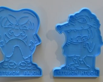"2 WILTON MONSTERS Cookie Cutters | 1990 4"" Mouth Monster Molar Monster"