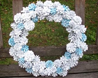 Pine Cone Wreath, Christmas Wreath, Winter Wonderland, Frozen.   New, unique, VERY sparkly.  Wall decor, door wreath, gifts.