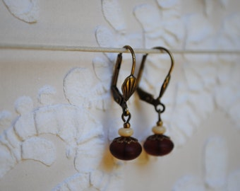 Earrings small brown buttons
