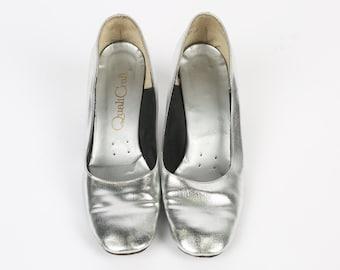 Vintage 1960's Silver Mod Space Age Pumps Heels Size 8.5 9