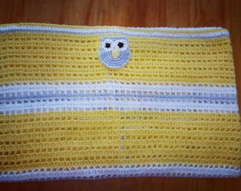 Yellow owl baby blanket. Large