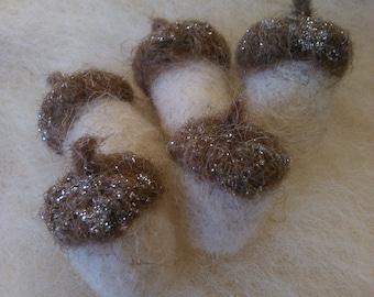 needle felted christmas decorations acorns