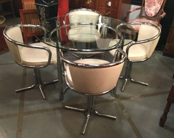 Mid century Veeta Group, Italy Chrome and 42 Inches Diameter Glass Dining Set