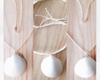 Seashell Mɛямαι∂ Sʋяғɛя necklace