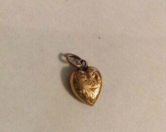 9 carat 9ct gold puffy heart charm pendant vintage
