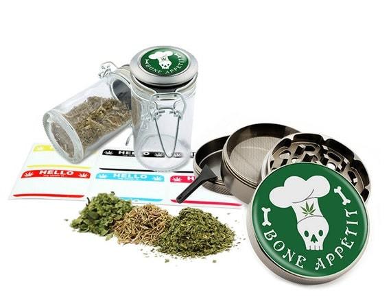 "Bone Appetit - 2.5"" Zinc Alloy Grinder & 75ml Locking Top Glass Jar Combo Gift Set Item # G50-82515-1"