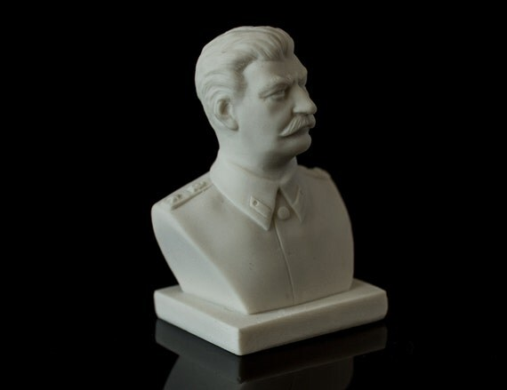 think important figure russian history lenin stalin - trotsky, lenin and stalin were all important in bringing the communist dictatorship in russia from 1917 - 1939 all three of them wouldn't be able to make progresses without each other the basement or a trigger to communism in russia was lenin as he was the organizer.