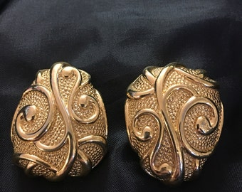 Earrings, clip on, Barrera, Avon, gold tone, art deco style, FREE SHIPPING