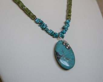 Turquoise and peridot necklace with turquoise pendant