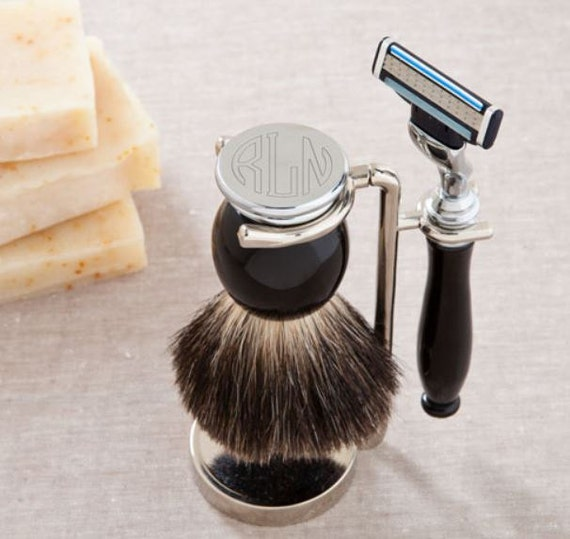 Monogram Shaving Set - Badger Hair Brush and Razor Set , Personalized Groomsmen Gift , Custom Razor Set