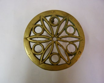 Solid brass vintage flower design trivet