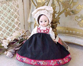 """Vintage Madame Alexander Doll 8"""" """"Norway"""" From 1968"""