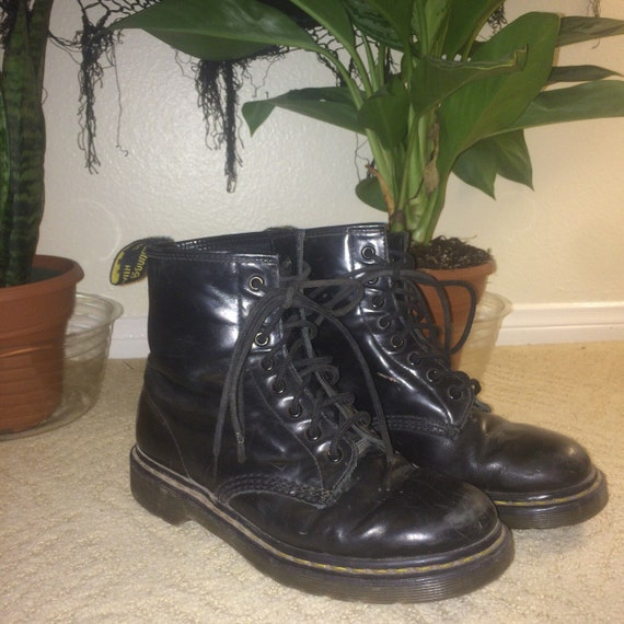 doc martens docs black shiny leather boots 90s grunge