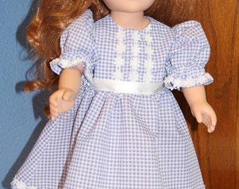 Blue and whitte gingham dress