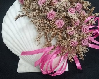 Decorated Seashell with Flowers and German Statice Wall Hanger