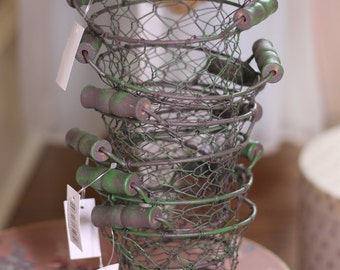 Wire baskets Set of 7 green distressed