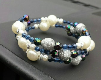 Memory wired bracelet with glittery paper beads and pearls(B22)