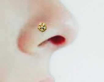Nose Stud in Pure Yellow Gold