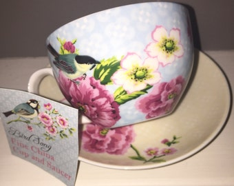 Beautiful vintage floral teacup. The English Table . Perfect condition.Never used