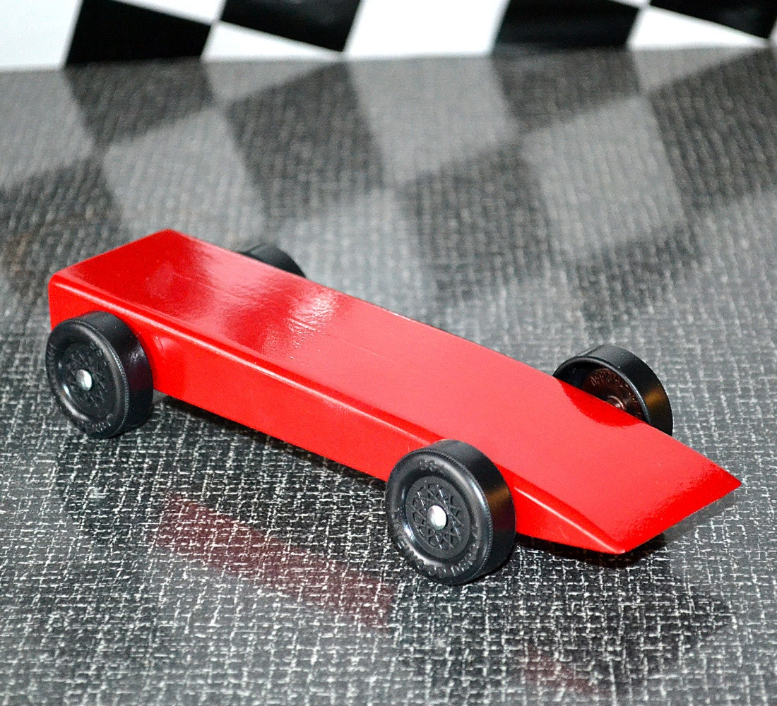 fast pinewood derby car from official bsa cub scout derby kit. Black Bedroom Furniture Sets. Home Design Ideas