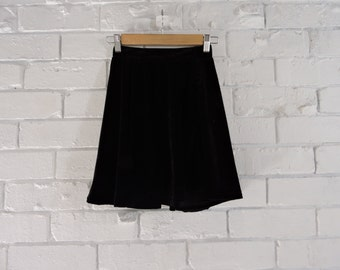 90's Black Velvet Cirlce Skirt