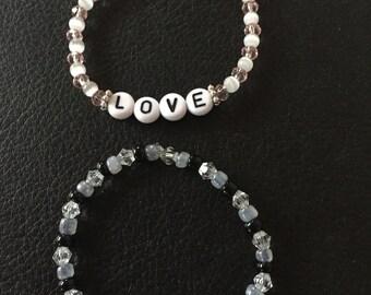 Customizable name bracelet