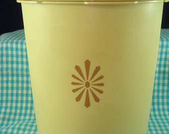 Tupperware Harvest Gold Storage Container Vintage circa 1970s Press and Seal Made in Great Britain