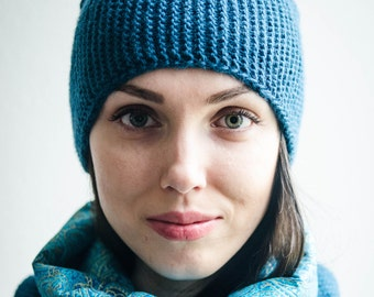 Women  Knit Winter Hat and Infinity Scarf Set