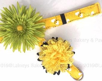 Laineys Yellow Beezzz Dog Collar