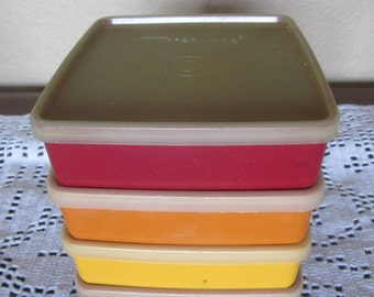 Tupperware Vintage Set of 4 Sandwich Square-a-way 670 Yellow Orange Maroon Keepers with Lids