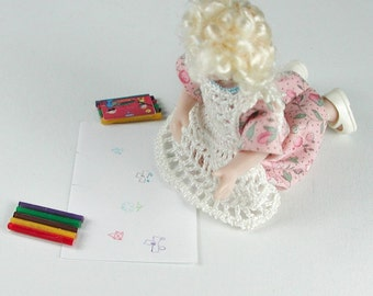 1:12 crayons in miniature for the doll.