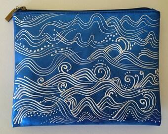 Pouch blue vinyl 'Waves'