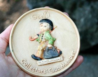 Collector's Club Member Bisque Plaque | Goebel Hummel