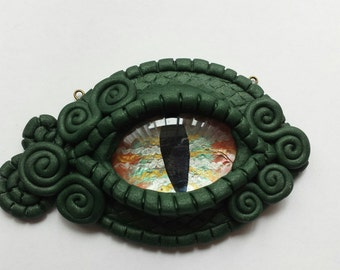 DE10 Dragon's Eye in Forest Green polymer clay