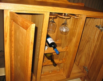 Hand crafted wine/liquor cabinet (Oak)