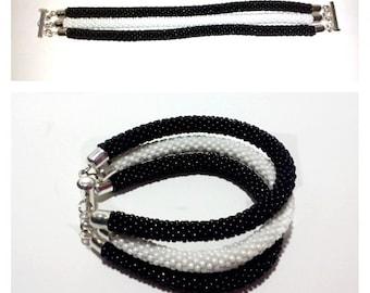 Three-wire crochet beads bracelet