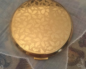 Powder Compact.Bronze Metal Boots Vintage Luxury Collection.Powder Brass Compact With Decorative Lid.Makeup and Cosmetics.Women's Vanities