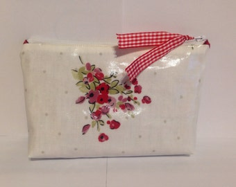SALE, Make-up case. Pencil case, cosmetic bag, make up bag, made using a lovely kemble ash rose, pvc coated cotton