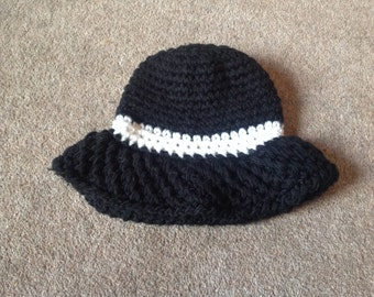 1980 Crocheted/Knitted Black and White Hat