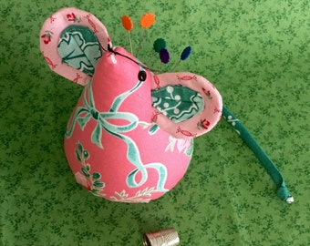 Sewing Mouse Pincushion,Handmade, Gift Pincushion,collectors pincushion