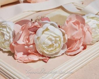 Flower Bridal sash,flower wedding sash. Bridal belt. Champagne bridal sash. Ivory bridal belt