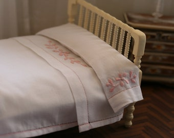 Linen bed, Dollhouse, scale 1/12