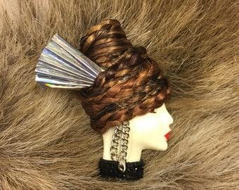 Lady face brooch/pin