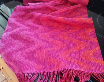 Scarf hand-woven