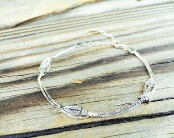 fish bracelet,sterling silver fish chain bracelet,silver fish bracelet,animal bracelet,animal jewelry,simple silver bracelet