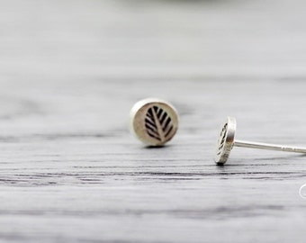 sterling silver leaf fossil earrings, stamped leaf stud earrings, circle earrings, round earrings, circle with stamped leaf earrings