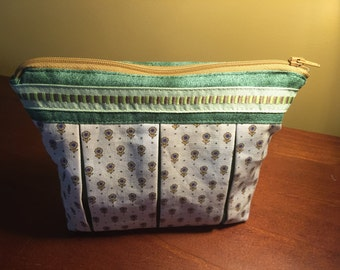Handmade Cosmetic/Makeup/toiletry bag, fully lined and washable