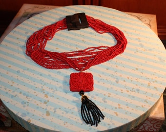 Red and black oriental necklace