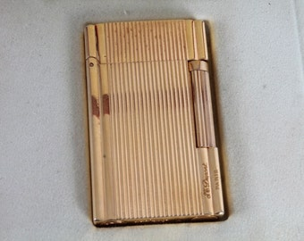 Vintage S. T. Dupont Paris 4FKI2JB Gold-Plated Lighter.